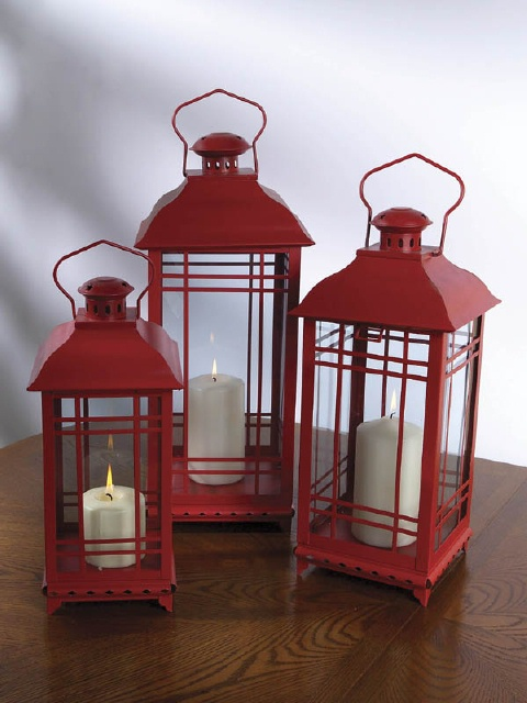 lantern red (Red delicious re-purposed)